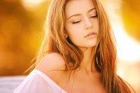 natali-brown-woman-portrait-girl-color